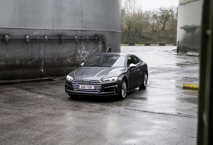 Audi S5 Coupé : la puissance tout en style #1