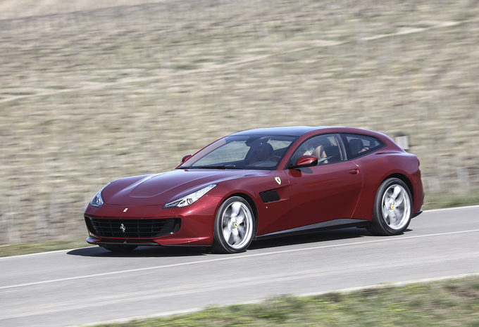 images ferrari gtc4 lusso t 2017 moniteur automobile. Black Bedroom Furniture Sets. Home Design Ideas