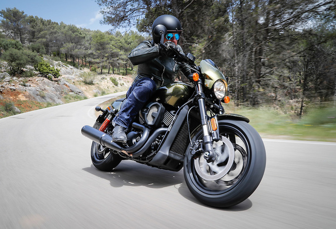 Harley-Davidson Street Rod (2017) – motortest #1