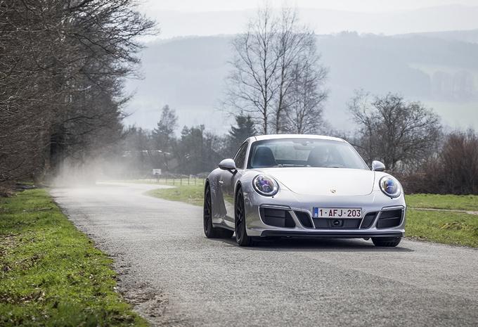 Porsche 911 Carrera 4 GTS : Le meilleur des mondes ? #1