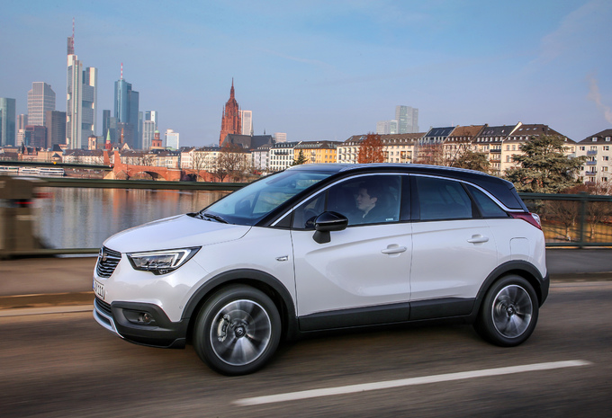 test opel crossland x 1 2 turbo 130 2017 autowereld. Black Bedroom Furniture Sets. Home Design Ideas