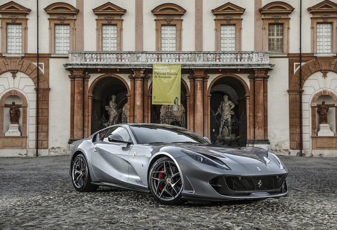 images ferrari 812 superfast 2017 moniteur automobile. Black Bedroom Furniture Sets. Home Design Ideas