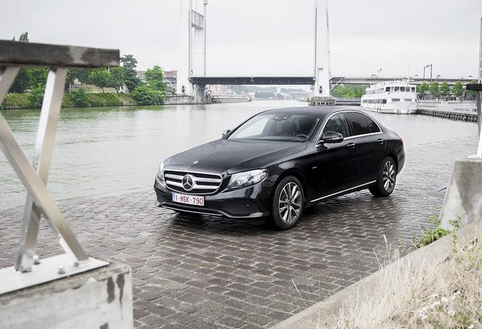 Mercedes E 350e : Quand la Classe E lave plus blanc #1