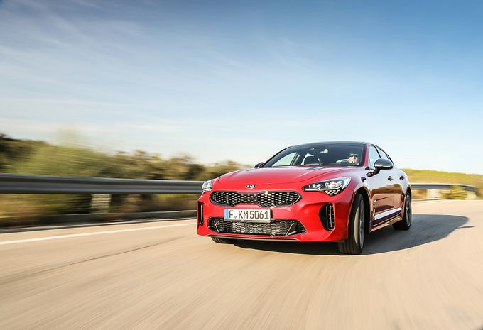 Kia Stinger GT 3.3 V6 Turbo AWD (2017) #1