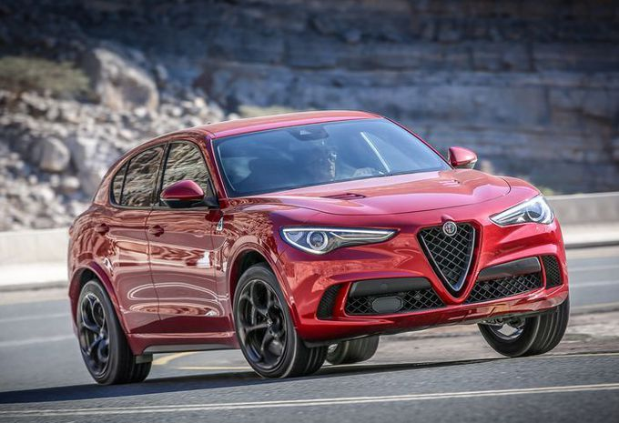 test alfa romeo stelvio quadrifoglio quadri folie autogids. Black Bedroom Furniture Sets. Home Design Ideas