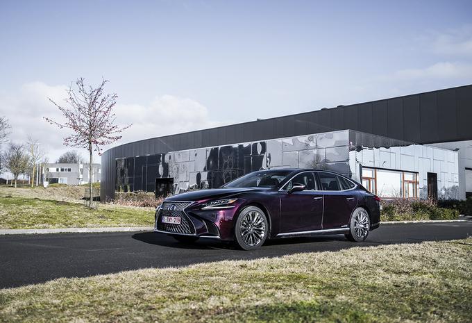 Lexus LS 500h AWD : luxe à la japonaise #1