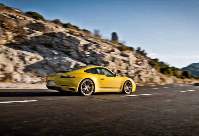 Porsche 911 Carrera T (2018) #1