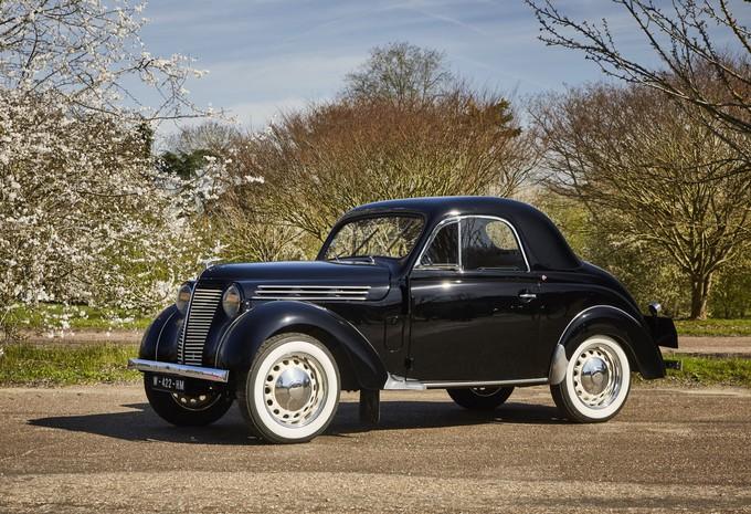 AutoWereld test 120 jaar Renault (1): de Juvaquatre Coupé (1939) #1