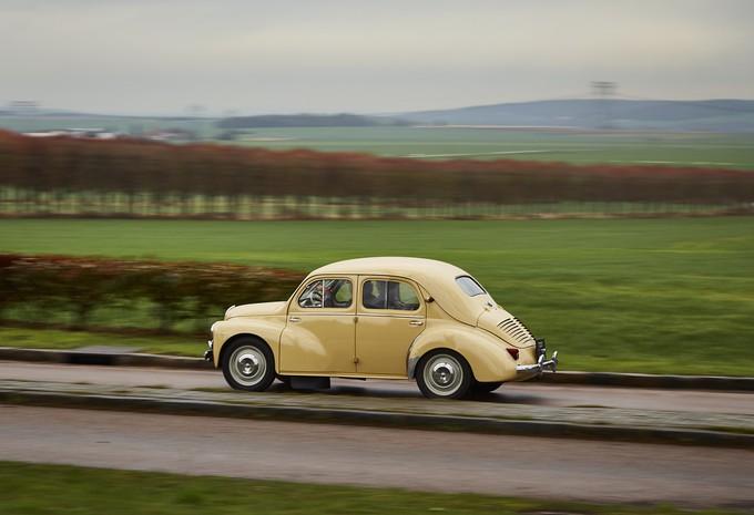 AutoWereld test 120 jaar Renault (2): de 4 CV (1960) #1