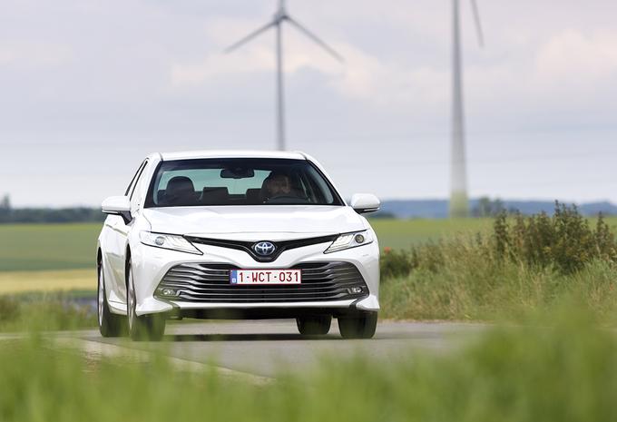 Toyota Camry : Généreuse et efficiente #1