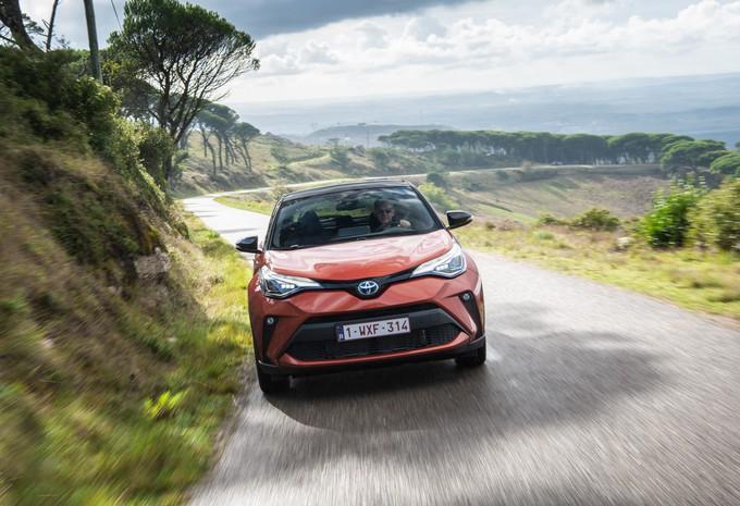 Toyota C-HR : L'hybride avec force #1
