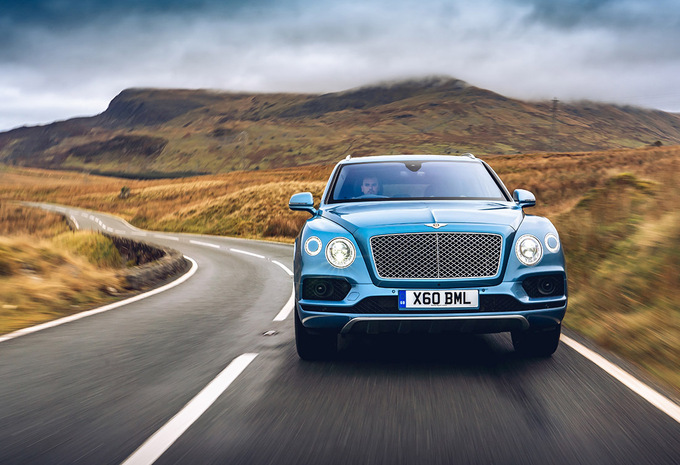 Bentley Bentayga Hybrid (2020) #1