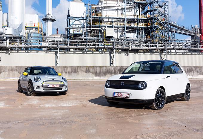 Deux électriques premium : Rétros & hightech  #1