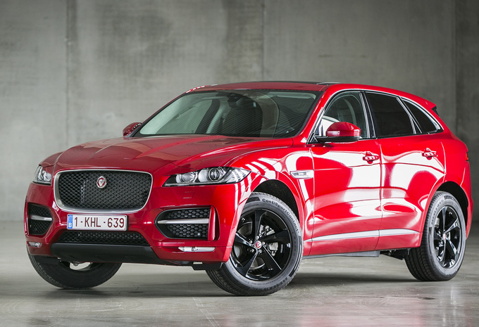 essai video jaguar f pace 2016 moniteur automobile. Black Bedroom Furniture Sets. Home Design Ideas